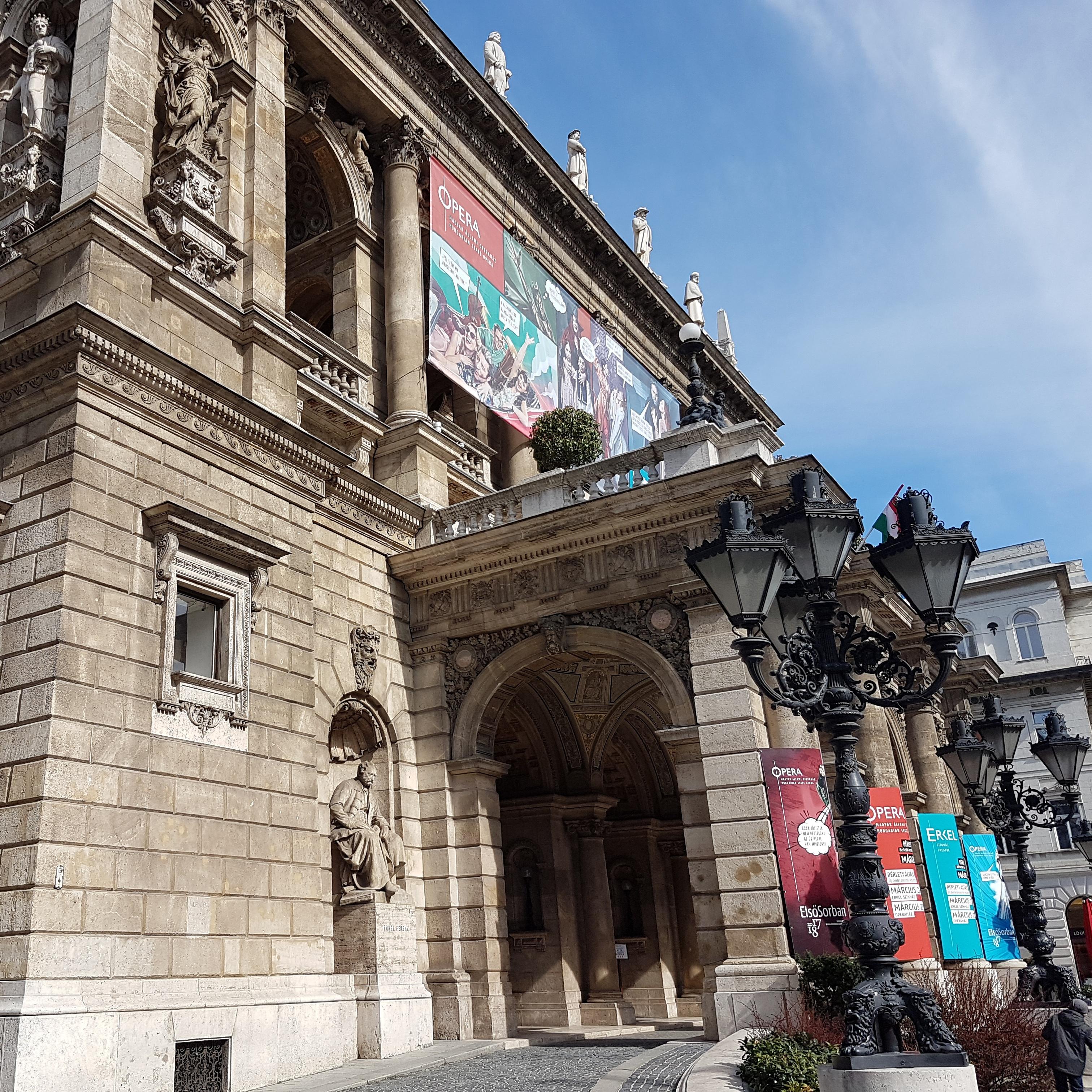 8. Opera house