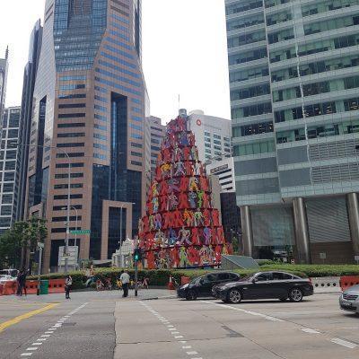 Street art en route to Lau Pa Sat