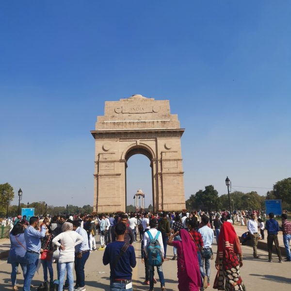 Crowds at India Gate